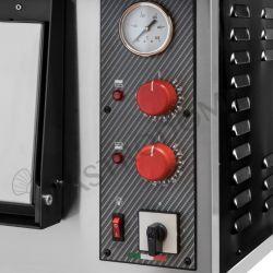 Dettaglio forno elettrico per 4 pizze di diametro 35 cm con 1 camera a controllo meccanico