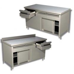 Tavoli armadiati con porte e cassetti orizzontali